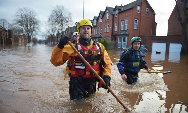Újabb pusztító viharok Nagy-Britanniában