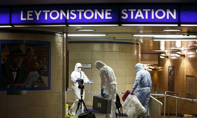 Londoni terror: Nem is vagy muszlim, kiabálták a Szíriáért késelő terroristának a metróban