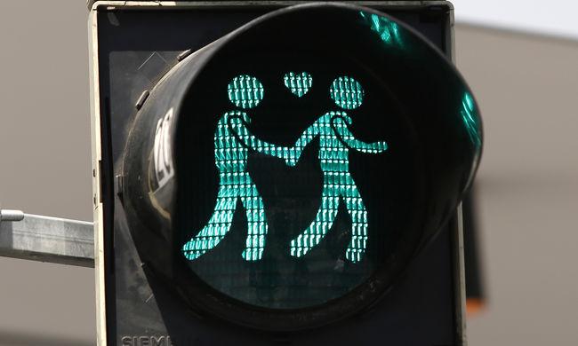 Leszerelik a meleg témájú közlekedési lámpákat