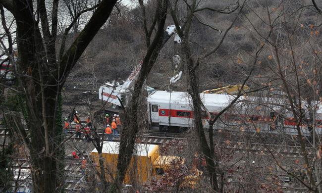 Örökre lebénult a vonatbalesetben az ügyvédnő