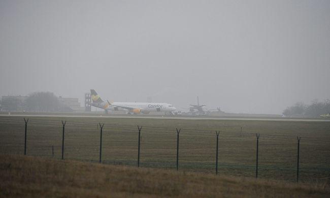 Bombafenyegetés miatt szállt le egy repülő a Liszt Ferenc repülőtéren