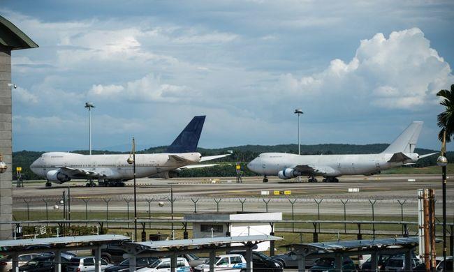 Valaki elhagyott három repülőgépet a maláj reptéren