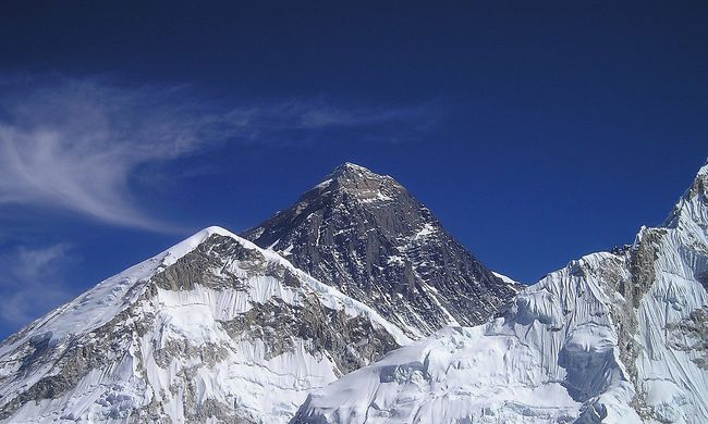 Olvadnak a gleccserek a Mount Everesten