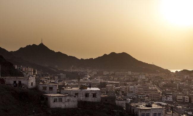 Jemenből lőtték le a határőrt