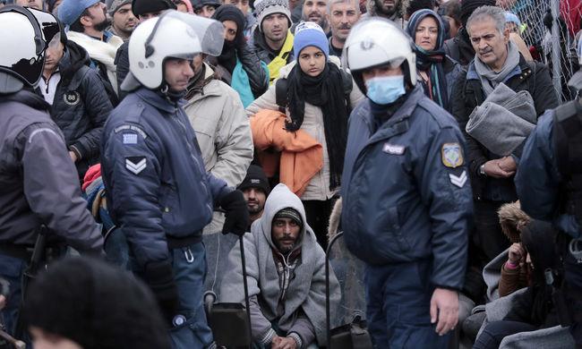 Tömegverekedés a németországi befogadóállomáson