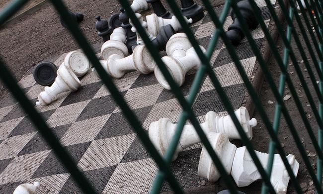 """Kirúgták a sakkbajnokságból a 12 évest, mert túl """"szexi"""" ruhában volt"""