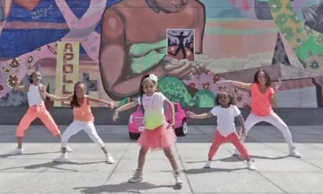 Egy négyéves kislányé lett 2015 legnézettebb YouTube-videója