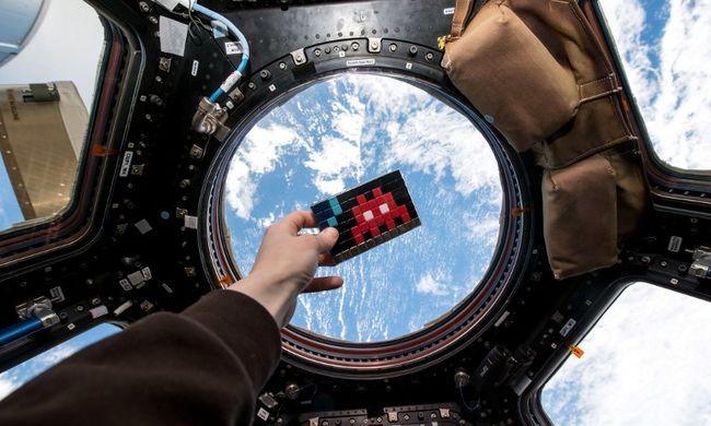 Földet értek az űrhajósok 141 nap után