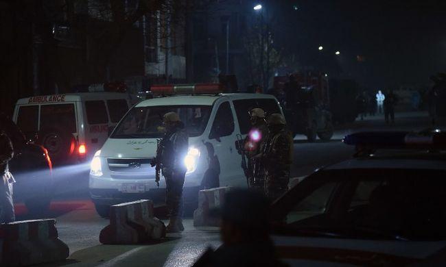 Autóba rejtett bombát robbantottak a tálibok a spanyol nagykövetség közelében