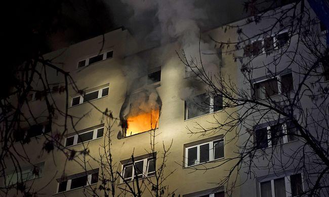 Kigyulladt egy budapesti panelház
