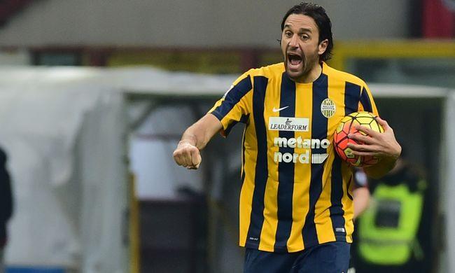 Luca Toni gólt lőtt, De Jongot kiállították a Milan meccsén
