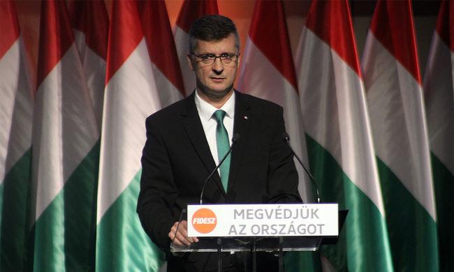 Kubatov Gábort a Fideszről, a fiatalokról, a betelepítési kvótákról és a Fradiról is kérdeztük