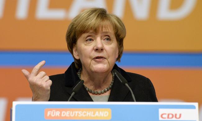 Merkel: Németország erős, megbirkózik a menekültek problémájával