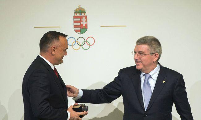 Díjat kapott Borkai Zsolt, a MOB elnöke