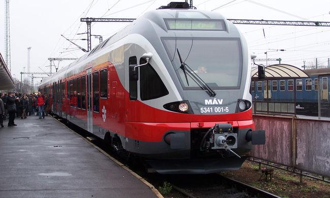 Halálra gázolt egy embert a vonat