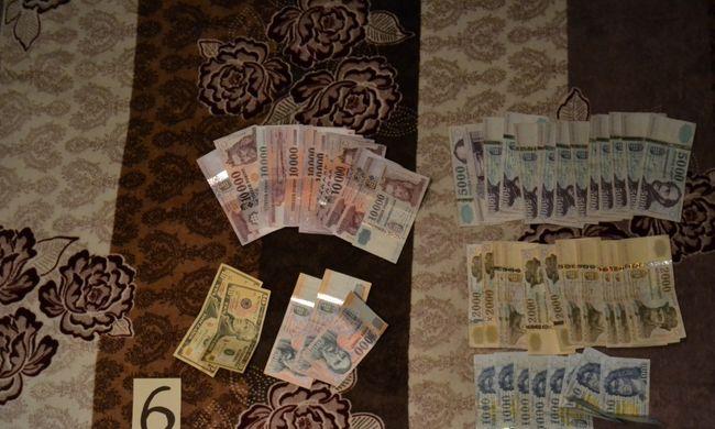 Több millió forintot és drogot találtak szabolcsi lakásokban