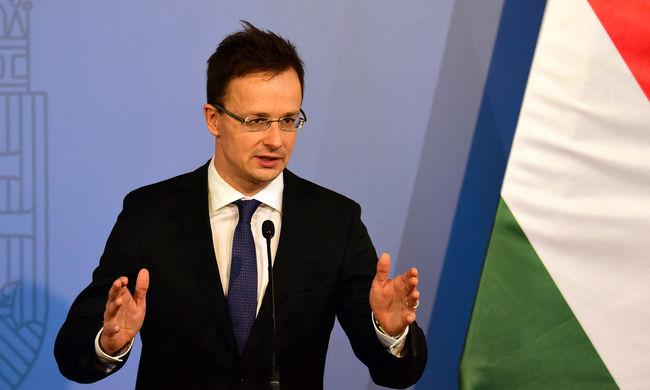 Szijjártó helyesli a szerb és szlovén határszigorítást