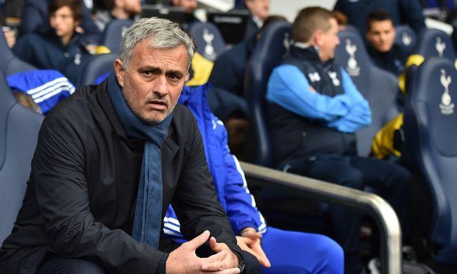 Kirúgta Mourinhót a Chelsea