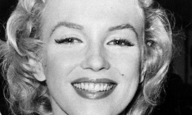17 millió forintért kelt el Marilyn Monroe láb- és kézlenyomata