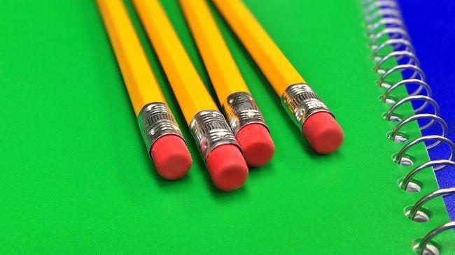 Kis híján meghalt egy nyolcéves az iskolában, nagy bajt okozott egy ceruza