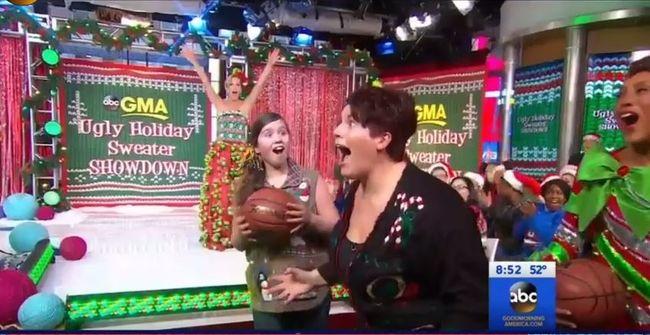 Félpályás kosárral nyerte meg a lánya tandíját - szenzációs videó!