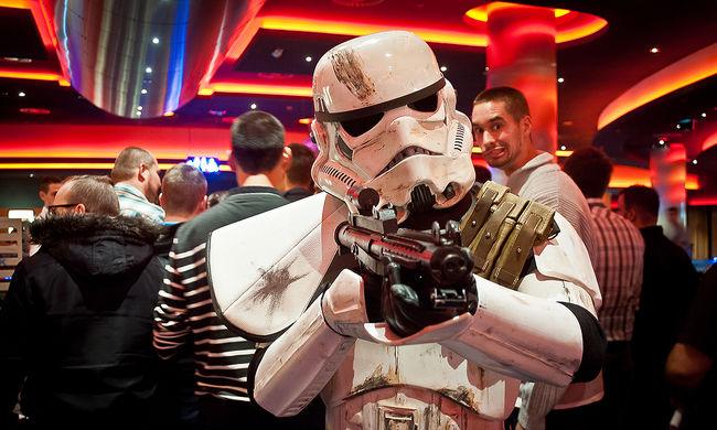 76-szorosát keresi Harrison Ford a Star Wars-szal, mint a többi szereplő