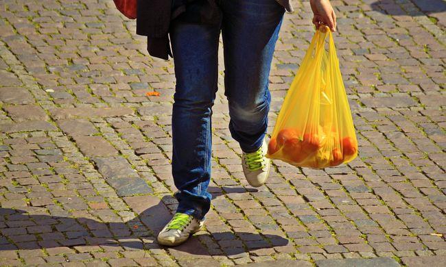 Komoly siker, nyolcvan százalékkal csökkent a műanyagzacskók felhasználása Ausztráliában