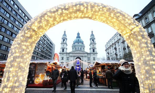 Galéria: Így készül a város a karácsonyra aranyvasárnap előtt