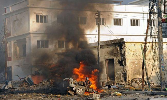 Több halott a lövöldözés és a robbanás után