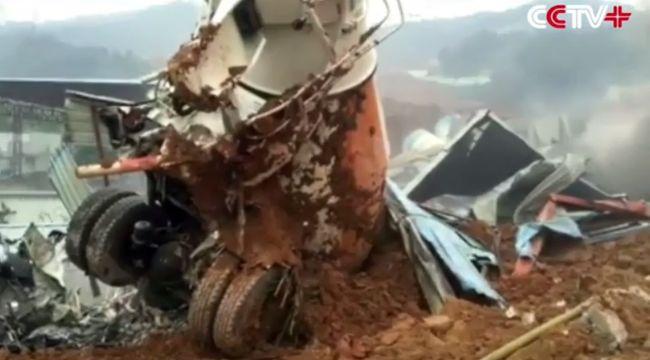 91 ember tűnt el a sárlavina miatt