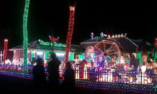 Karácsonyi világítás miatt perelnek a szomszédok