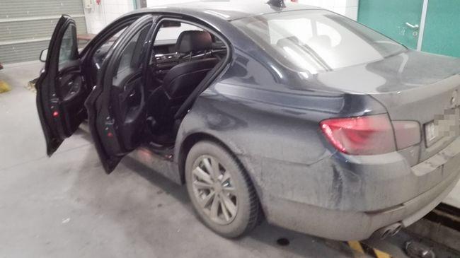 Körözött BMW-vel próbált átmenni a határon