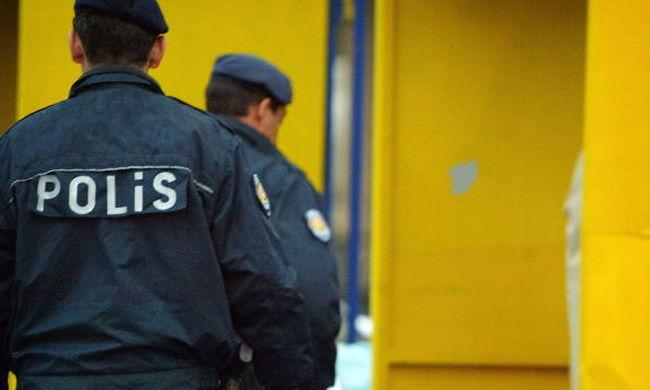 Ismét merénylő robbantott, három rendőr meghalt
