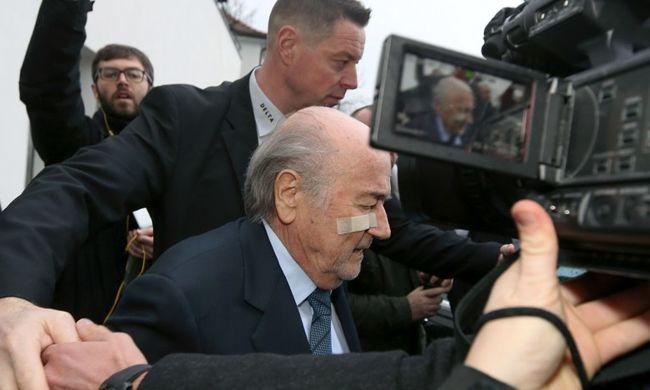 Blatter azt állítja, hogy nem tudott a dél-amerikai megvesztegetésekről