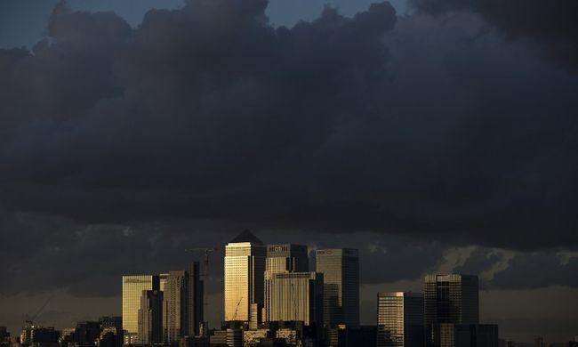 Brit botrány: nem fizetnek adót a nagy bankok