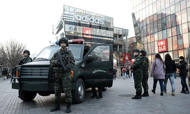 Karácsonyi terrorfenyegetés: lezárták a város egy részét
