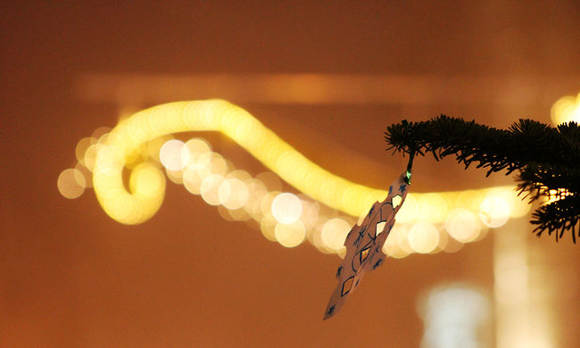Szívszorító okokból tartották nyáron a karácsonyi bulit a gyerekeknek