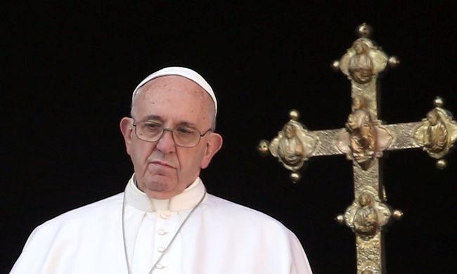 A terrorról és a háborúkról szólt a pápa karácsonyi üzenete