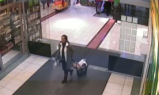 Bevásárlókocsi tetejéről lopta el a táskát