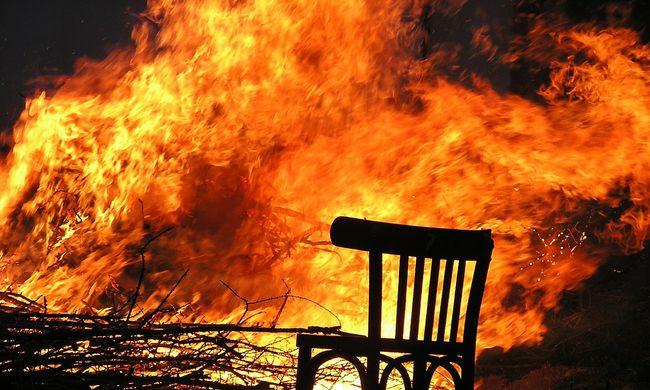 Tragédia: egy anya három gyerekével halálra égett karácsonykor