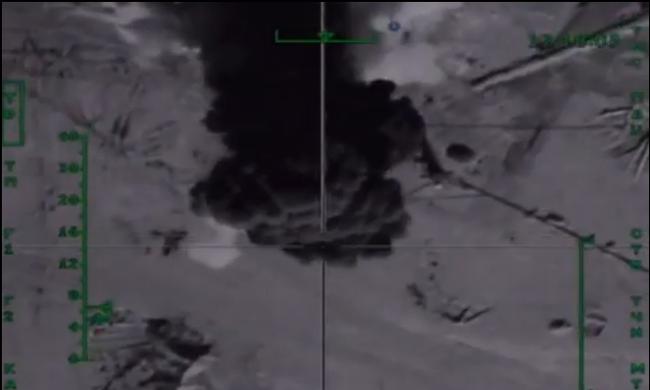 Így robbantak fel az Iszlám Állam olajfinomítói - videó