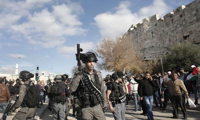 Biztonsági őr mentette meg a leszúrt izraeli katonát
