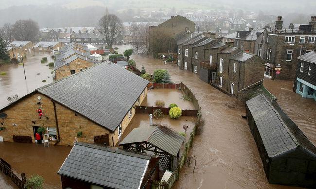Drámai a helyzet: vízben úszik Nagy-Britannia