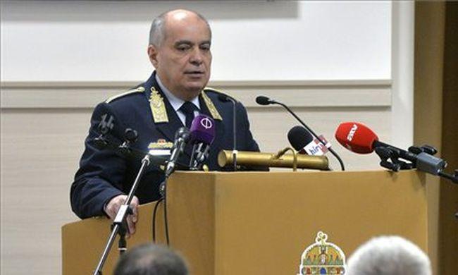 Rendőrök védik a határt