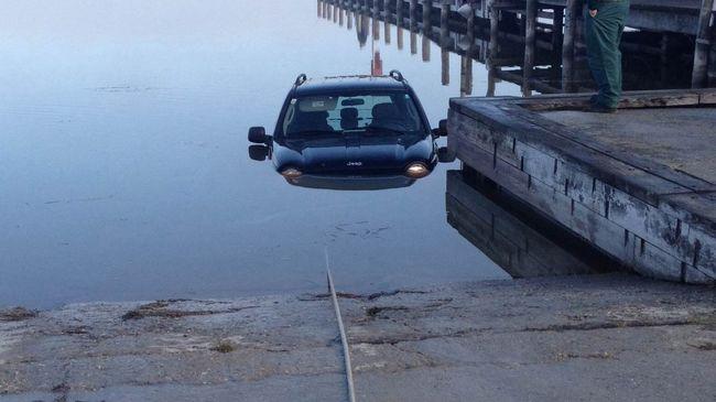 Terepjáró csúszott a Fertő tóba
