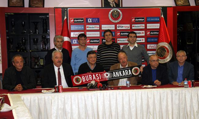 Ötödik edzőjét rúgta ki idén a török klub