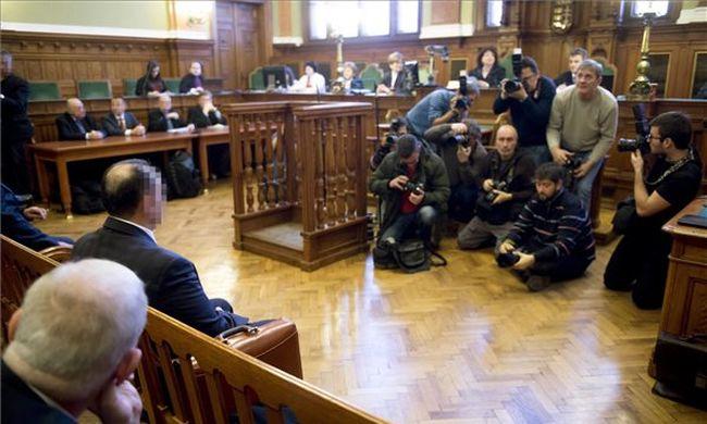 Kulcsár-ügy: hat és fél év  börtönre ítélték a volt brókert