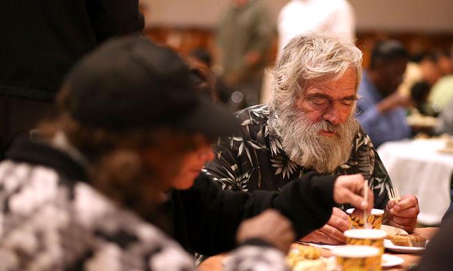 Megteltek a hajléktalanszállók a hidegben