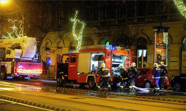 Kigyulladt egy budapesti lakás - képek