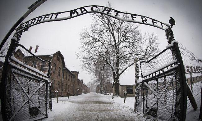 Két tinédzser lopott az auschwitzi koncentrációs táborból